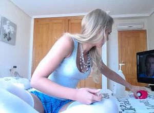 Uber-cute  Blond Solo Getting off..
