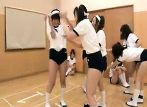 Nasty Japanese teenagers give head and..