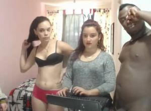 Soiree ON A BBC, 3 Teenagers SHARE A..