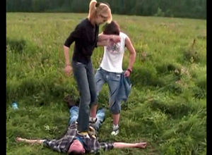 Ukrainian teenagers stomp a stud who..