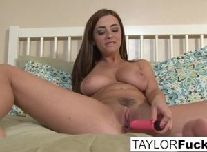 Taylor Vixen shifts around in couch..