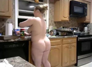 bare phat ass white girl  in kitchen