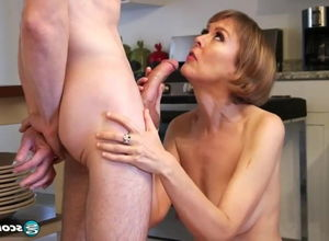 Brit Cougar pulverizes youthful Stud